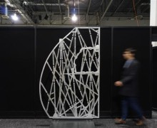 airbus-starts-3d-printing-airplane-cabin-partition-that-mimics-cells-and-bones-structure-4